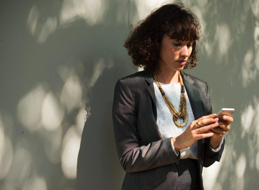 businesswoman-busy-corporate-586336.jpg
